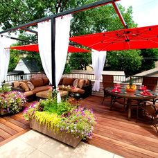 Contemporary Deck by Chicago Green Design Inc.