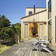 Contemporary Deck by Malcolm Davis Architecture