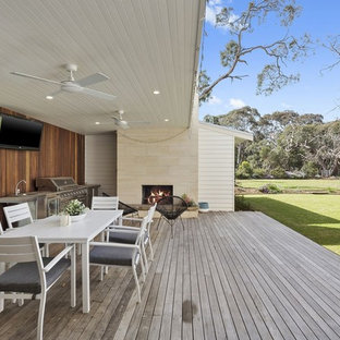 Beach style deck in Geelong.