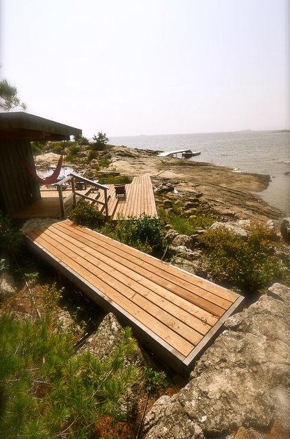 Contemporary Deck by Owen Landscape Architect