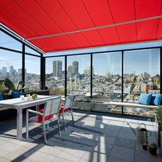 Contemporary Deck by Matarozzi Pelsinger Builders