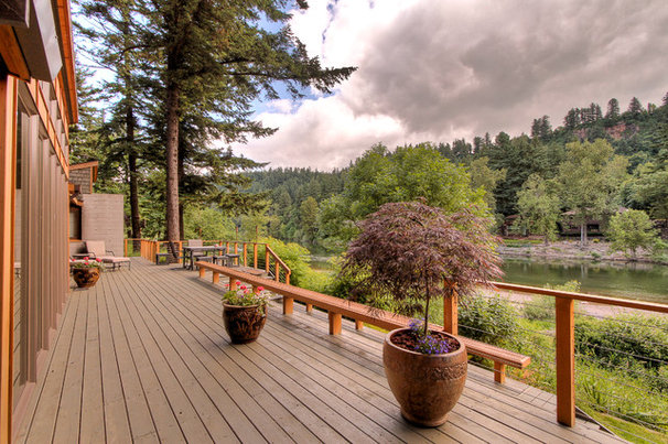 Contemporary Deck by TerryIverson Photography
