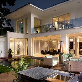 Moderne Terrasse Hinter Dem Haus Mit Outdoor Küche In Orlando
