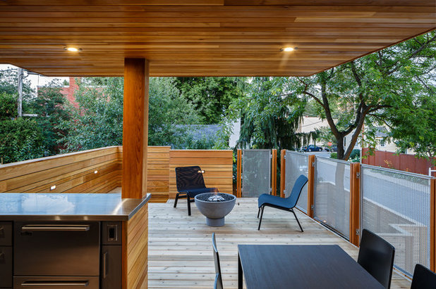 Contemporary Deck by Christopher Simmonds Architect
