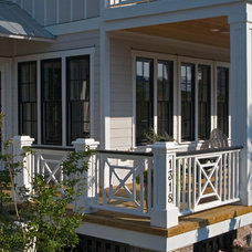 Beach Style Deck by Allison Ramsey Architects