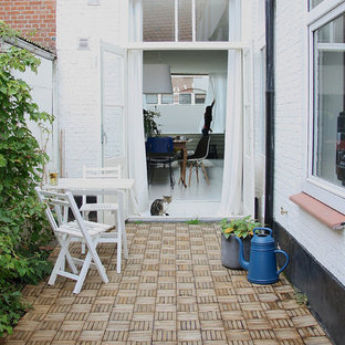 Design ideas for a scandi terrace and balcony in Amsterdam.