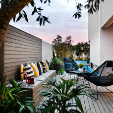 Contemporary Deck by Webb & Brown-Neaves