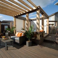 Transitional Deck by Paul Lafrance Design