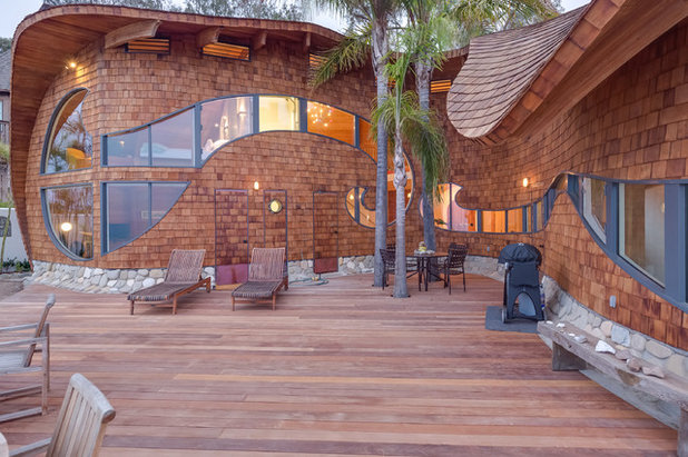 Beach Style Deck by Mitch Williams Construction, Inc.