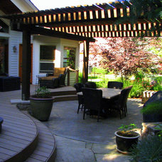 Traditional Deck by Chuck B. Edwards - Breckon Land Design