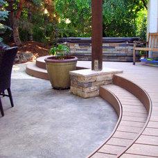 Modern Deck by Chuck B. Edwards - Breckon Land Design