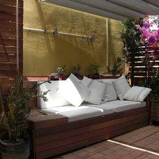 Modern Deck by zinctankprojectes