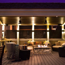 Traditional Deck by Chicago Roof Deck & Garden