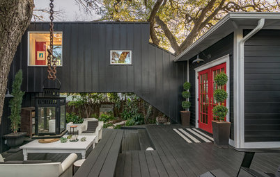 Houzz Tour: A Clever Skybridge Connects Old and New in Texas