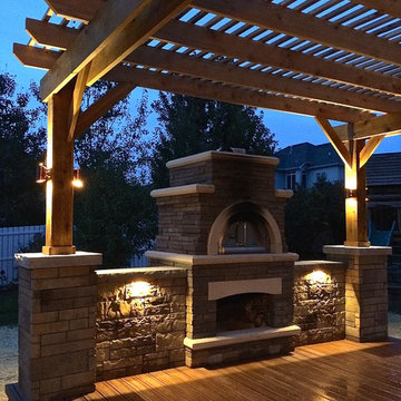 Trex Transcend Deck with Pizza Oven and Pergola, Lighting