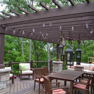 Trex Transcends Deck with Curved Railing
