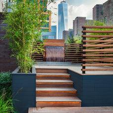 Contemporary Deck by Gunn Landscape Architecture