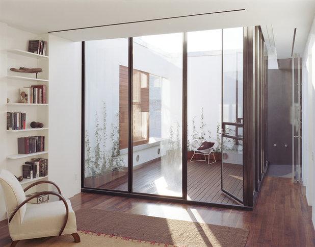Modern Deck by Zakrzewski + Hyde Architects