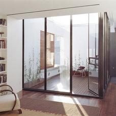 Modern Patio by Zakrzewski + Hyde Architects