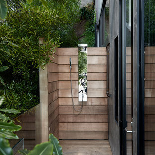 Small Minimalist Side Yard Outdoor Shower Deck Photo In San Francisco