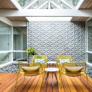 Ispirazione per una piccola terrazza minimalista