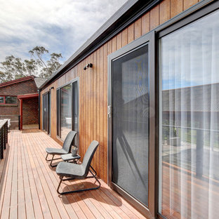 Inspiration for a mid-sized contemporary deck in Adelaide with no cover.