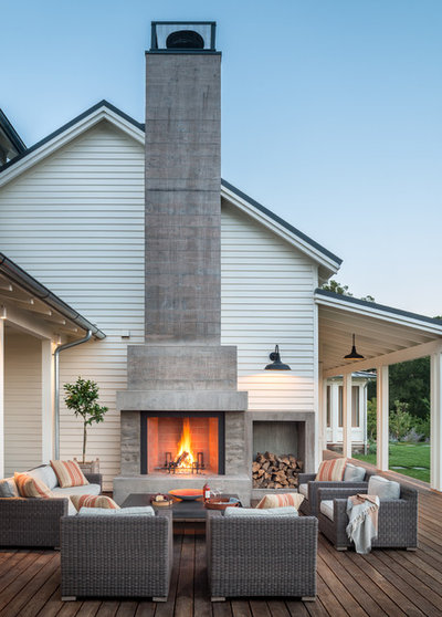 Farmhouse Deck by E C Schmitt & Company