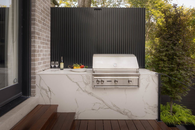Modern Deck by Pro-land Landscape Construction