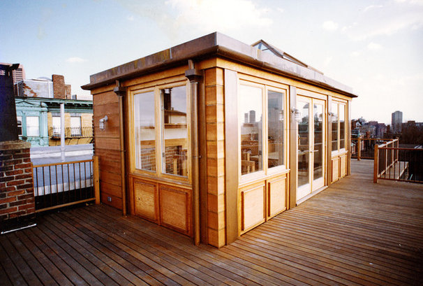 Craftsman Deck by Hickox Williams Architects, Inc.