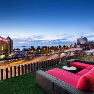 Contemporary deck in Melbourne.