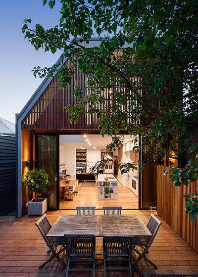 Contemporary Deck by Itsuka Studio