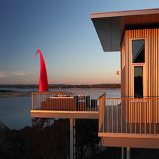 Contemporary Deck by Webber + Studio, Architects