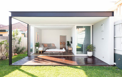 A Gloomy Bungalow Welcomes the Light Thanks to Some Smart Changes