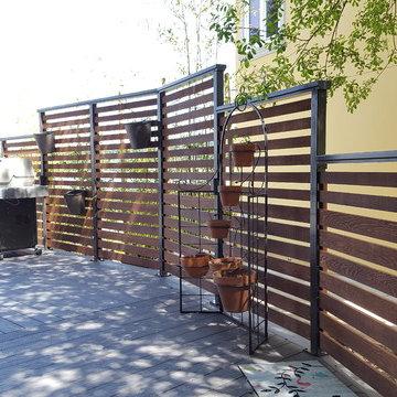 Waterfront Deck Living - Custom Privacy Screeninghangi
