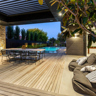 Photo of a contemporary deck in Melbourne.