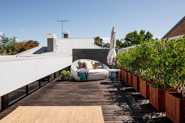 Contemporary Deck by Studio Atelier