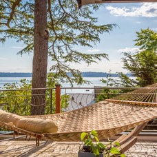 Beach Style Deck by Cassie Daughtrey Realogics Sotheby's Realty