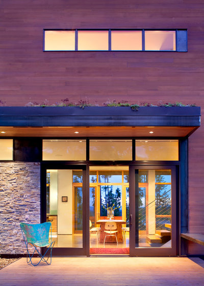 Contemporary Deck by CTA Architects Engineers