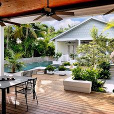 Beach Style Deck by Craig Reynolds Landscape Architecture