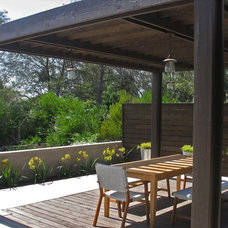 Contemporary Deck by Springfield Design