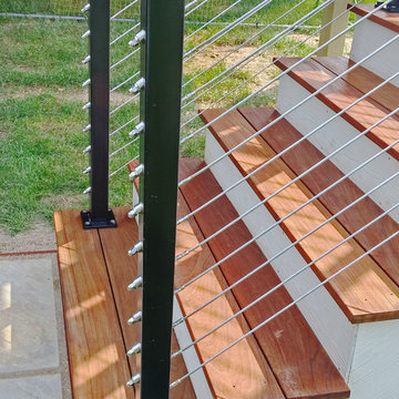 Woodsbury, MN: Black Aluminum Posts & Inline Support for Customer Top Rail