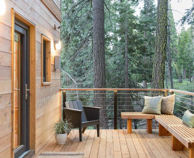 Montagne Terrasse En Bois By Regan Baker Design Inc.