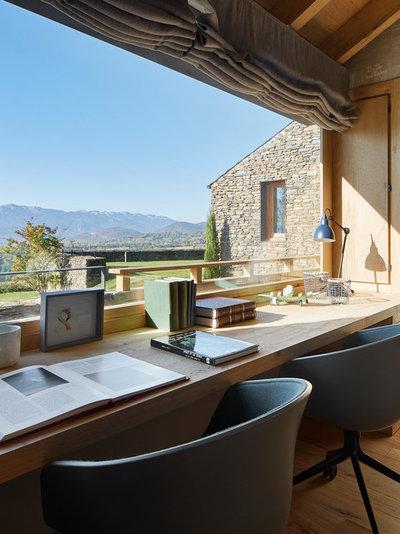 Landhausstil Arbeitszimmer by Jordi Miralles Fotografia