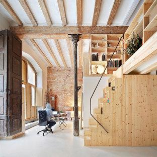 Idées déco pour un petit bureau scandinave de type studio avec un mur blanc, aucune cheminée et un bureau indépendant.