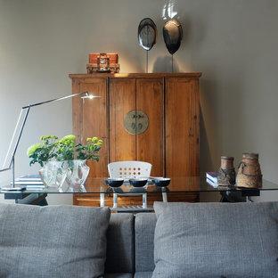 Modelo de despacho bohemio, de tamaño medio, con paredes grises
