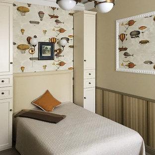 Источник вдохновения для домашнего уюта: детская в стиле современная классика с спальным местом, бежевыми стенами и паркетным полом среднего тона