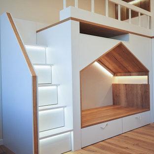 Детская двухъярусная кровать-домик с системами хранения от raumplus