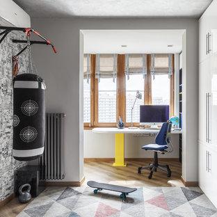 Новые идеи обустройства дома: детская с игровой среднего размера в современном стиле с белыми стенами, полом из винила и бежевым полом для мальчика, подростка