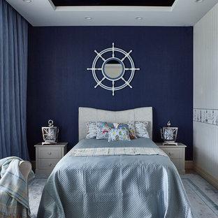 Неиссякаемый источник вдохновения для домашнего уюта: нейтральная детская в морском стиле с спальным местом, синими стенами, ковровым покрытием и серым полом