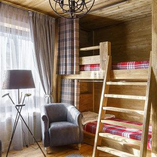 Стильный дизайн: нейтральная детская в стиле рустика с спальным местом и светлым паркетным полом для ребенка от 4 до 10 лет - последний тренд